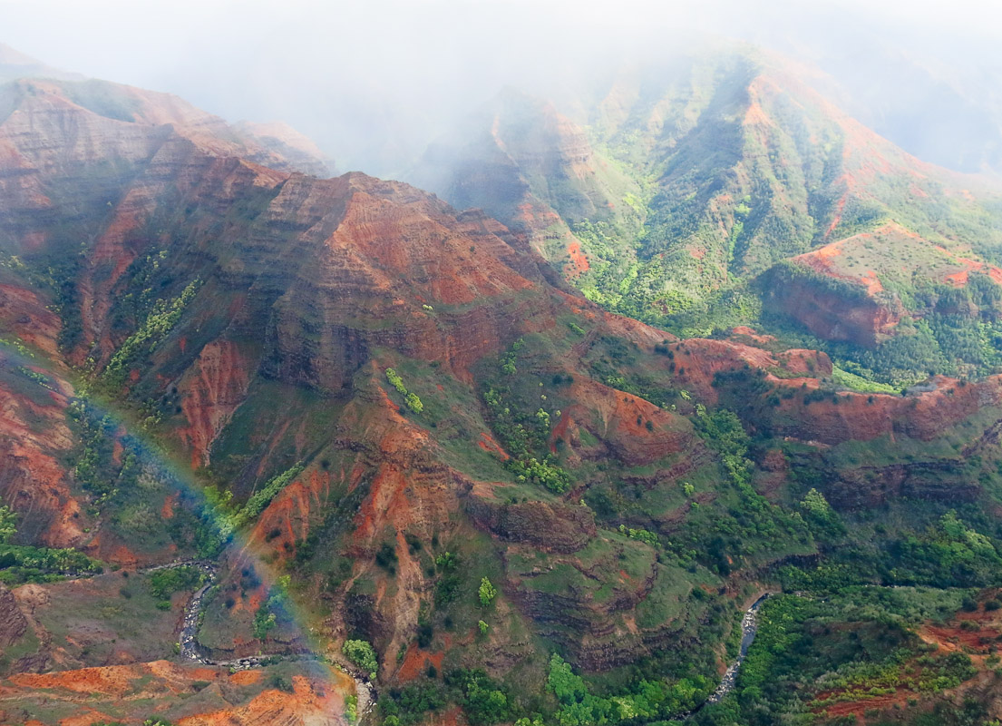 Waimea Canyon by Helikopter