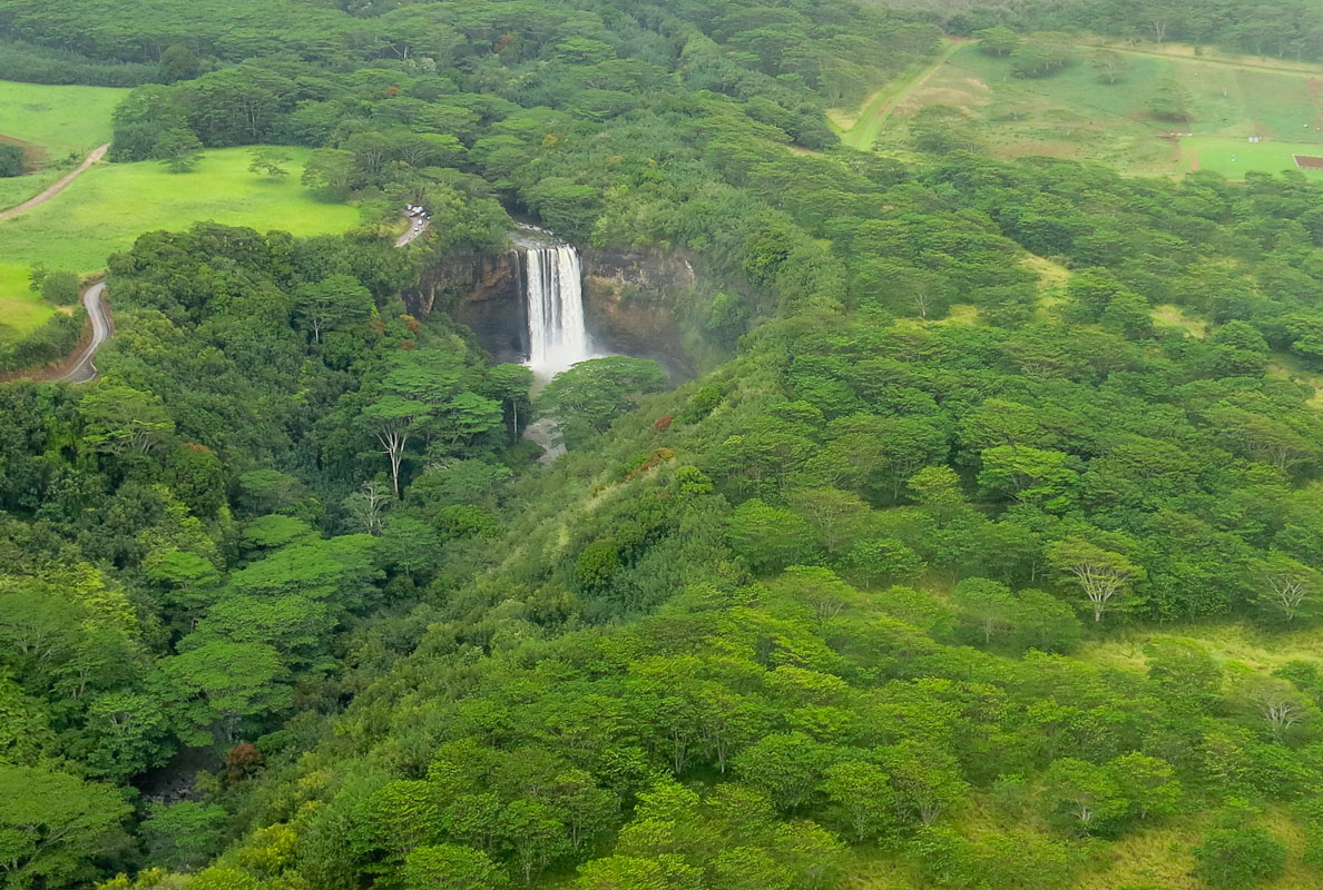 Wailua Fall by Helikopter